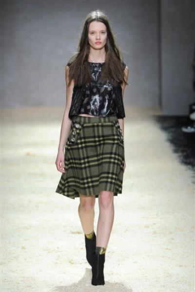 Kristina Ti-MilanoModa Donna collezione F-W 2015-16- foto #1