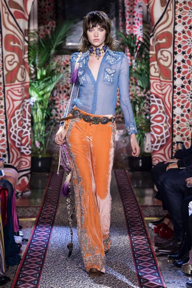 Peter Dundas abbandona la direzione artistica di Roberto Cavalli Il mondo della moda oggi è in fibrillazione, è stato annunciato l'addio e la separazione, solo dopo tre stagioni, tra Roberto Cavalli e il direttore creativo Peter Dundas